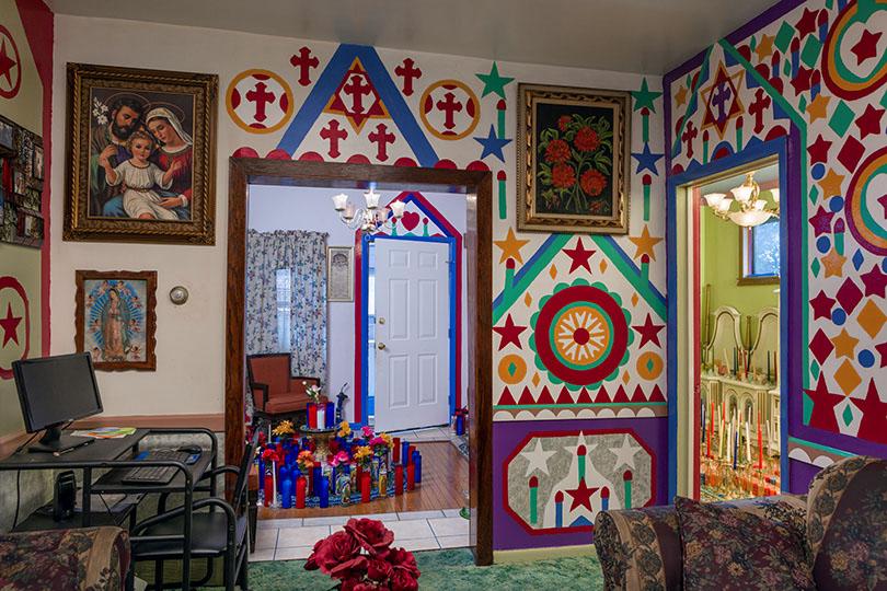 Prophet Isaiah Roberston's living room; Niagara Falls, NY 2015
